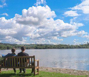 Vistas en un lago de Menteith, parada en tu viaje a Escocia